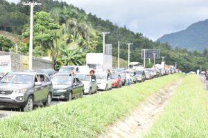 marchan en contra presa Río Haina
